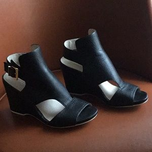 Black Wedge-Heel Shoes